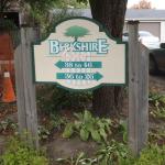 Entrance-Sign-Berkshire